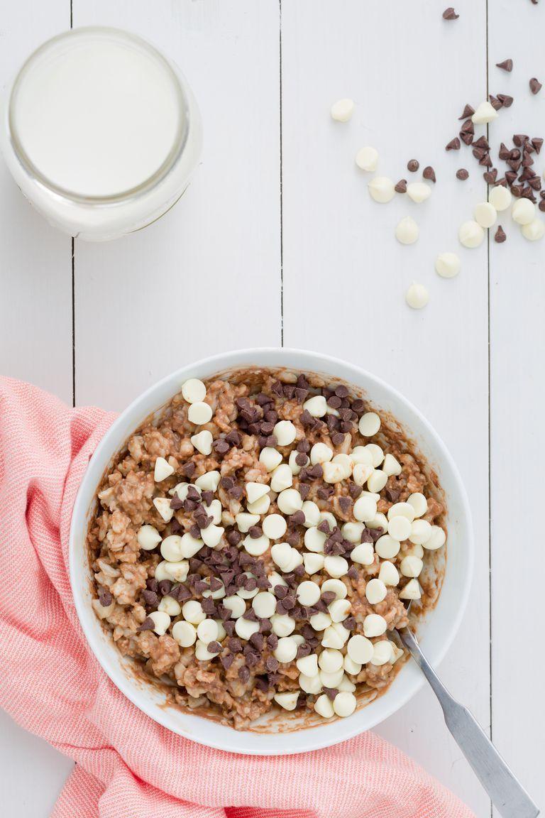 https://hips.hearstapps.com/del.h-cdn.co/assets/15/44/1445879578-delish-oatmeal-triple-chocolate.jpg?crop=1.0xw:1xh;center,top&resize=768:*