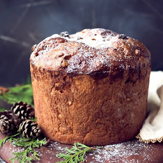 Easy Homemade Italian Christmas Bread Panettone.