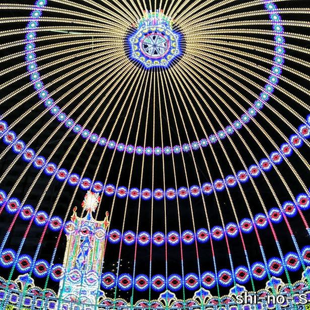 ルミナリエ、東遊園地ゾーンの内部
