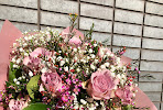 Hand tied bouquets minimum spend from £20 for delivery!!!