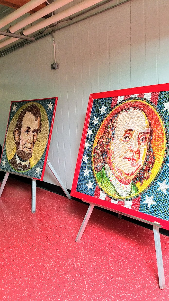 Jelly Belly Factory Tour in Fairfield, California, patriotic jelly bean art