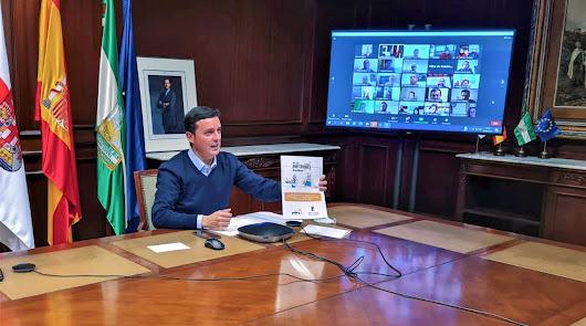 El presidente de la Diputación, Javier A. García, en una reunión telemática.