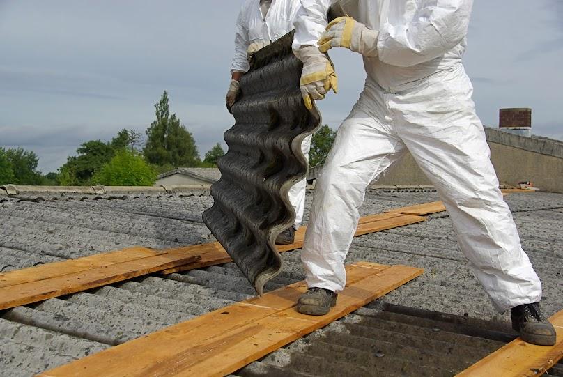 Usuwanie azbestu musi przeprowadzić wyspecjalizowana firma