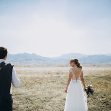 Wedding photographer Pavel Melnik (soulstudio). Photo of 01.12.2017