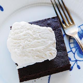 """""""Belgian Royal"""" Chocolate Cake."""