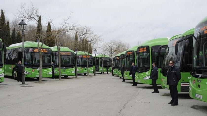 Imagen del Ayuntamiento de Móstoles de la flota de autobuses.