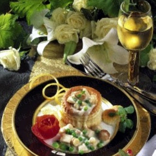 Königin-Pasteten gefüllt mit feinem Ragout