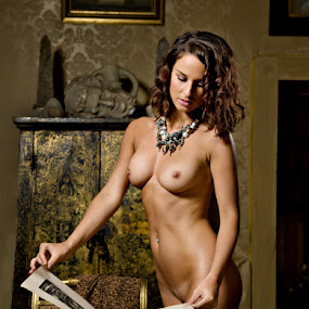 Lady of the house by Shaun HODGE - Nudes & Boudoir Artistic Nude ( model,  necklace, art nude. nude, book )