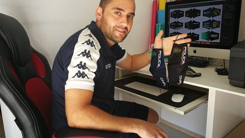 El ejidense José Liria, gerente de Warrior Sport Bikers.