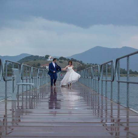 Wedding photographer Christos Toumpoulidis (toumpoulidis). Photo of 28.04.2017