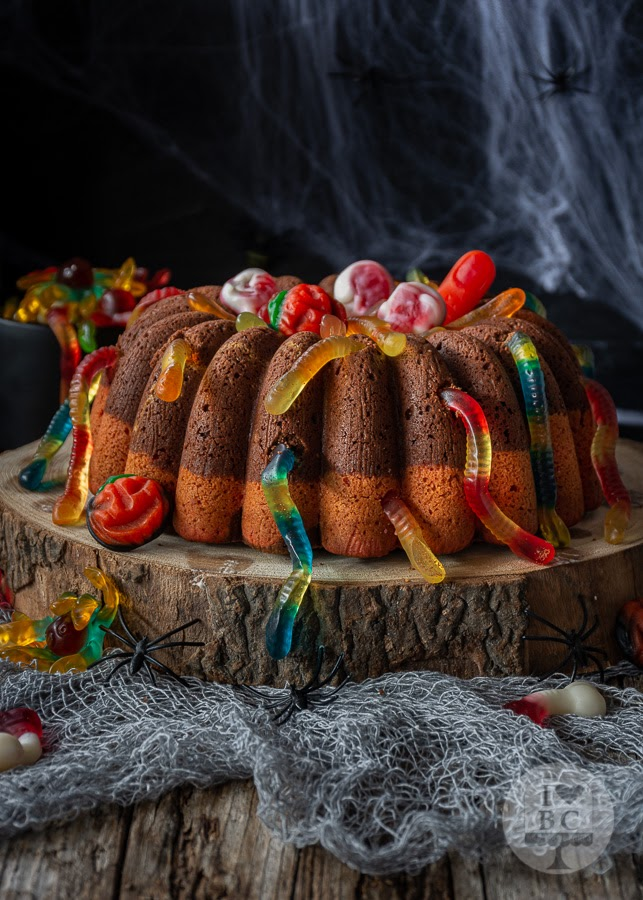 Halloween Worms Bundt Cake