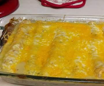 Easy Cheesy Chicken Enchiladas in Green Sauce