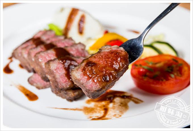 貝隆餐廳-舒肥牛排佐紅酒醬汁