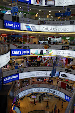 Photo: This mall is full of electronics