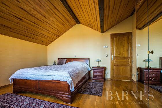 Vente villa 9 pièces 310,75 m2