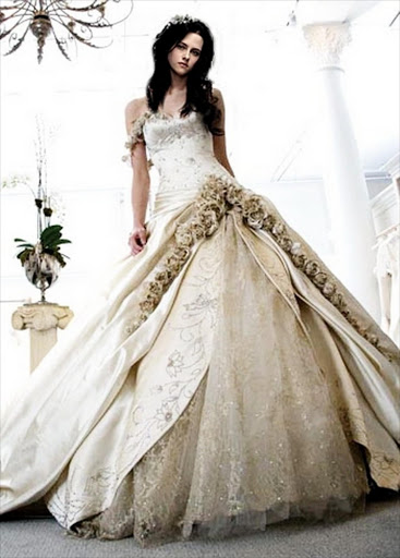 Bella Swans Wedding Dress Of Which Replicas Go Up For Sale At 799 A Pop
