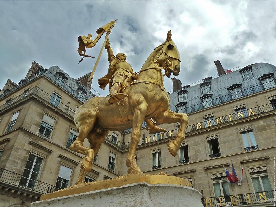 Памятник Жанне д'Арк, «орлеанской девственнице», героине французского народа