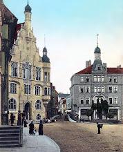 Photo: Markt mit Rathaus, Hotel Erbprinz und der Neumärker Straße