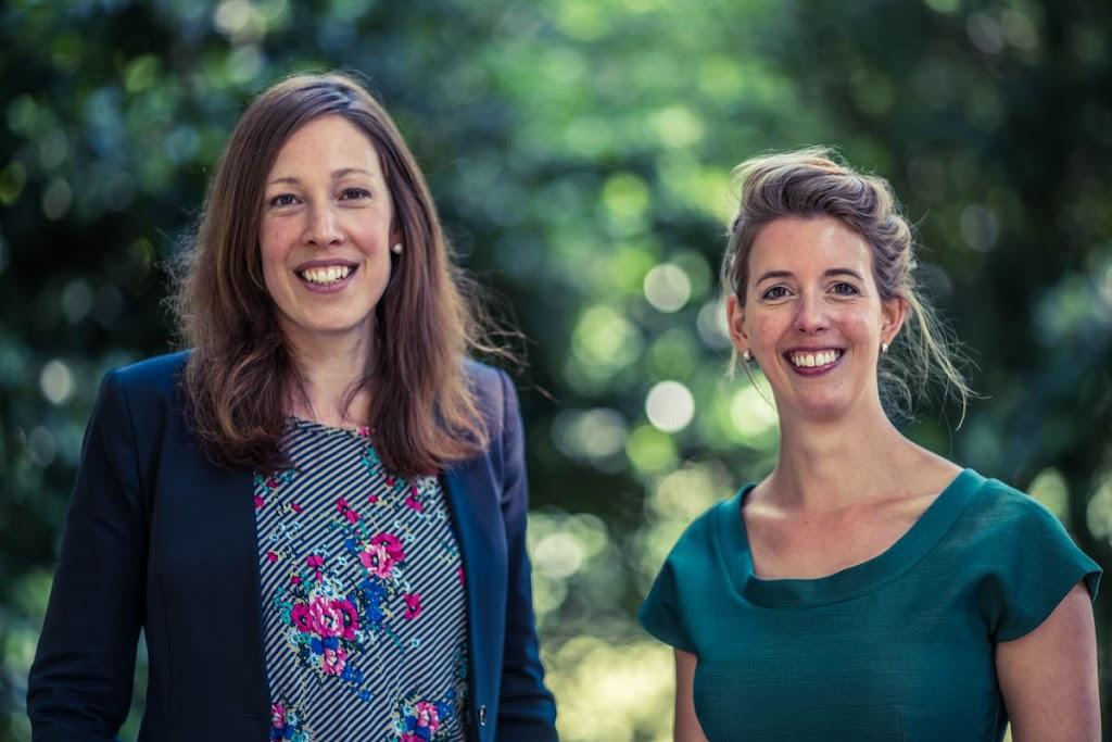 Martine Teeselink en Karen van Riel