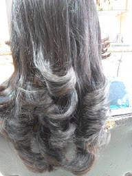 Renu Hair And Style Salon Only For Ladies & Kidz photo 1