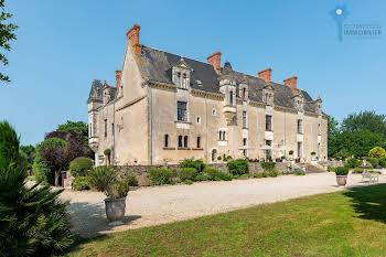 Château 28 pièces 1050 m2