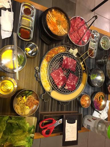 光價格就打死一堆北部的韓式了😅 小菜可以續,吃的很飽~