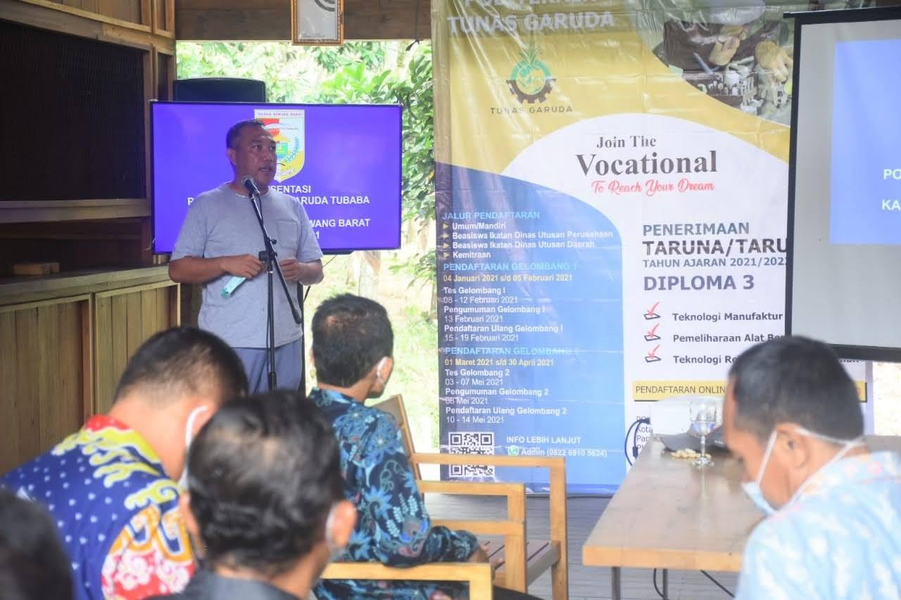 Umar Ahmad Didampingi Kadis Pendidikan Tulang Bawang Barat Budiman Jaya