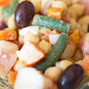 Chickpeas Salad with Octopus