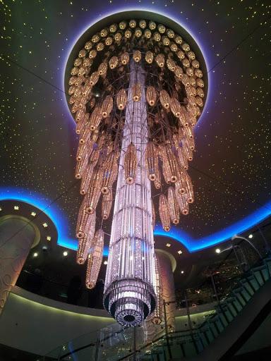 The classy chandelier in the atrium of Norwegian Getaway