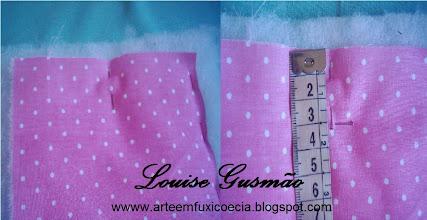 Photo: Marque o meio na vertical e a partir da borda, marque 3,0 cm, onde será aplicado o botão de imã na parte interior da carteira.