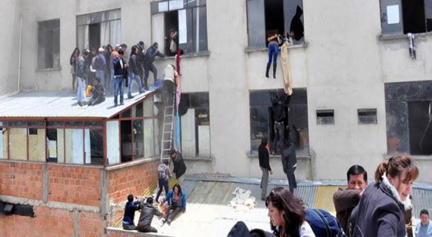 Incendio causado por marchistas cobra seis vidas en El Alto