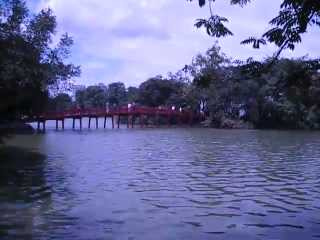 Video: Only one day to discover the old, charming capital of Vietnam with all top desitnations like old quarter, cycling tour, water puppet show, the temple of literature, unique one pillar pagoda and Ho Chi Minh complex. Join Hanoi tour for amazing Vietnam holiday. More information, please see details:  http://www.deluxevietnamtours.com/hanoi-tours/hanoi-tours.html