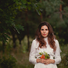 Wedding photographer Alena Astapova (alenastapova). Photo of 25.08.2014