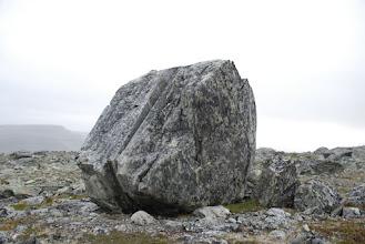 Kuva: Vähän ennen Lossuhyttaa löytyi tällainenkin kivipari