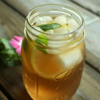 Lemon and Mint Iced Green Tea.