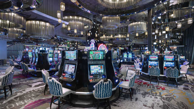 casino-floor-slots-wide