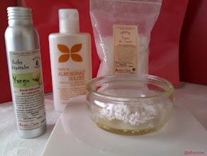 Photo: [spray pelo] AntiPeloCactus: Cuenco de 100ml (#CUENCO ACEITES): mezclamos el aceite de yangu, el de almendras dulces y el éster de azúcar.