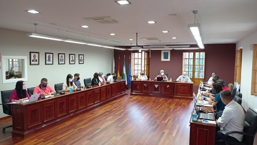 Pleno del Ayuntamiento de Huércal de Almería durante la sesión