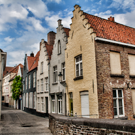 Homes in Bruges (Belgium) by Gianluca Presto - Buildings & Architecture Homes ( home, houses, europe, street, bruges, belgium, architectural detail, historic district, house, architecture, street photography, city, european, ancient, buildings, streets, homes, district )