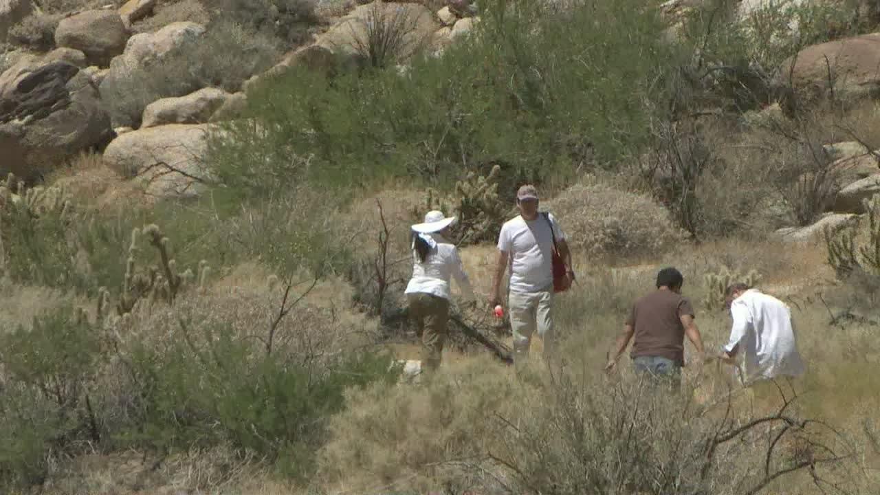 El peligro de cruzar la frontera de México a Estados Unidos - YouTube