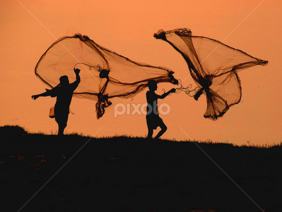 Synchronised fishing...... by Gautam Tarafder - People Professional People (  )