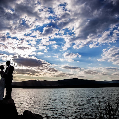 Wedding photographer Rafa Martell (fotoalpunto). Photo of 02.12.2017