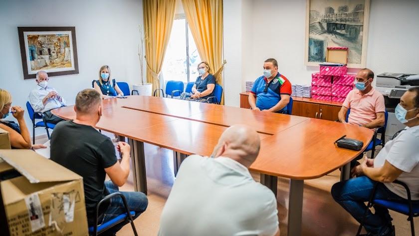 Reunión entre Ayuntamiento y representantes de los comerciantes.