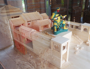 Photo: Gneral Qin's statue will be huge when it is completed. This is the model of the temple