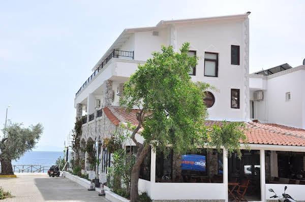 Pisces Hotel