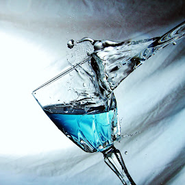 Blue water splash by Peter Salmon - Artistic Objects Glass ( water, splash, blue, pour, glass )