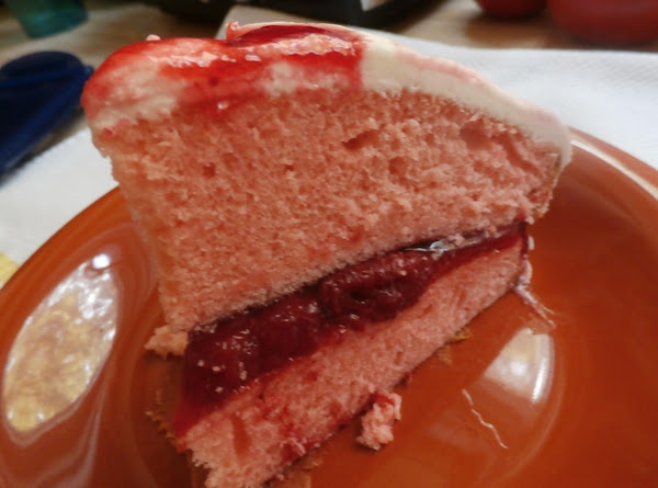 Strawberry Filled Cake With Vanilla Frosting Recipe