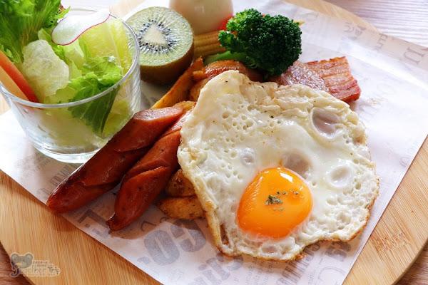 北屯大坑蝴蝶橋Brunch • Cafe│坐擁極美落羽松秘境與網美自拍熱點,改版為早午餐輕食複合式餐廳。