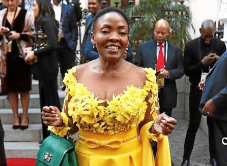Vrae oor Pinky Kekana se rol in 'n IT-tenderwisseling van R300 miljoen - TimesLIVE