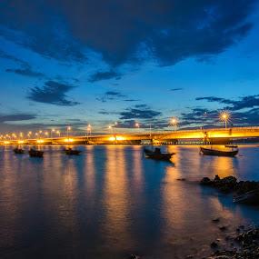 Suramadu by Alfon Adalah Klepon - Landscapes Sunsets & Sunrises ( blue hour, indonesia, sunset, java, bridge,  )